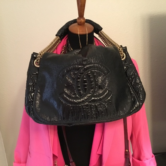 CHANEL Handbags - Authentic Chanel bag